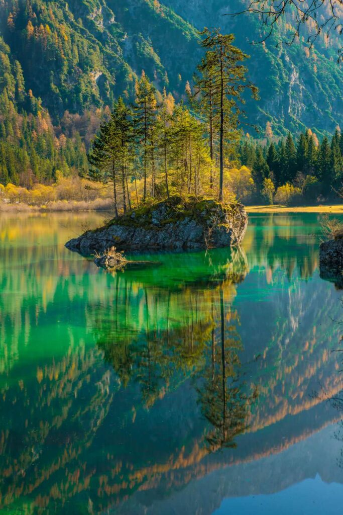Lake reflections of mountain
